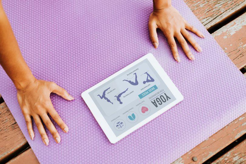 yoga auf dem tablet